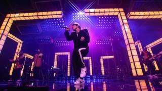 Bruno Mars - Versace on the Floor [Billboard Music Awards 2017]