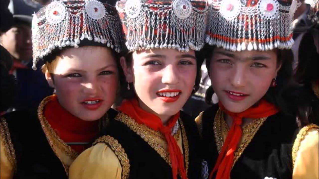 Хозяйку ублажают таджики 24 фотография
