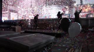 2013 Times Square Confetti Release