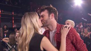 """The Chainsmokers + Halsey Acceptance Speech """"Closer"""" Best Dance Song 
