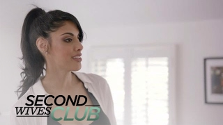 Dean Surprises Tania With New Walk-in Closet! | Second Wives Club | E!