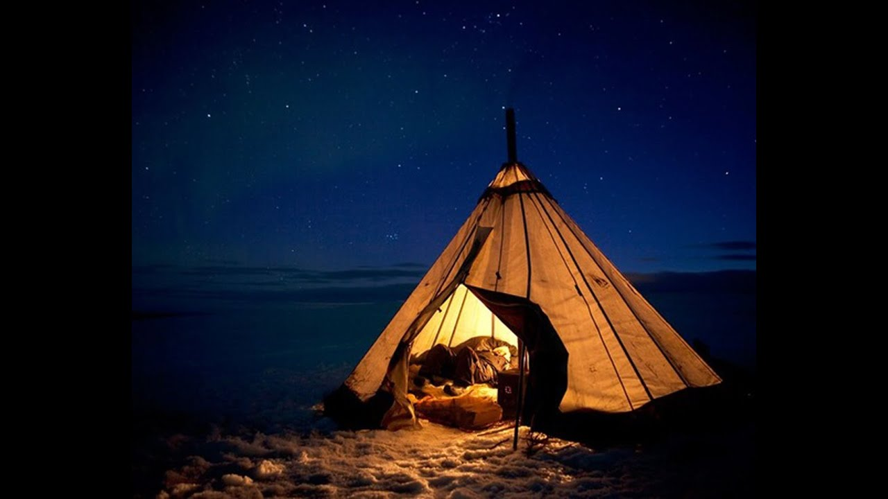 Студенты в палатке 19 фотография