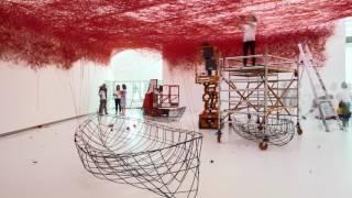 Time Lapse opbouw Chiharu Shiota in Het Noordbrabants Museum