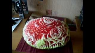 Watermelon carving time lapse