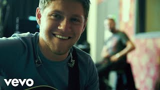 Niall Horan - Slow Hands (Portuguese Lyric Video)