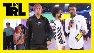Ayo & Teo Compete With Fans In