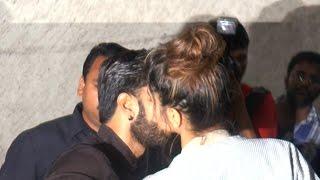 Deepika KISSING Ranveer Singh In PUBLIC