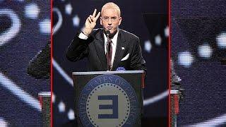 Donald Trump presenta a Eminem como presidente.