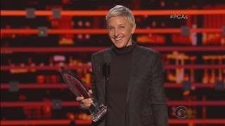 Ellen Wins the People's Choice Humanitarian Award!