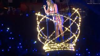 Taylor Swift - Delicate Live - Levi