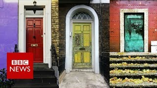 Doortraits: The Instagram obsession with doors - BBC News