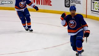 Islanders score 4 goals on 5 minute power play against Red Wings