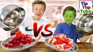 JUNKFOOD VS. REAL FOOD CHALLENGE - Hühnchen Herzen essen?! TipTapTube