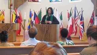 مبتعث سعودي يرتل القرآن في الكنيسة