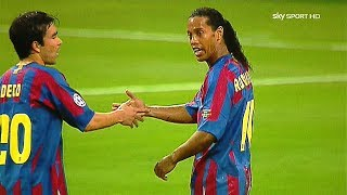 Ronaldinho in Messi SHADOW ● 5 Times Messi Outshined Ronaldinho Totally ¡!