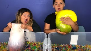 POPPING GIANT BALLOONS FILLED WITH ORBEEZ CHALLENGE - GIANT ORBEEZ VS TINY ORBEEZ