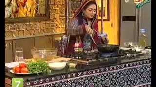 Chawal Ki Roti, Sindhi Baingan And Sindhi Chicken Handi by Rida Aftab   Zaiqa