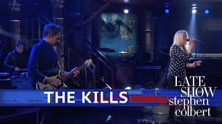 The Kills Perform