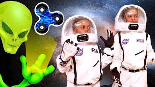 FIDGET SPINNER SPACE ADVENTURE!!! - Shiloh And Shasha - Onyx Kids