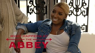 NeNe Leakes Screams Over Champagne Bottle | What Happens at the Abbey | E!