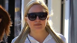 Amanda Bynes Enjoys Retail Therapy in Beverly Hills Following First Interview in Four Years