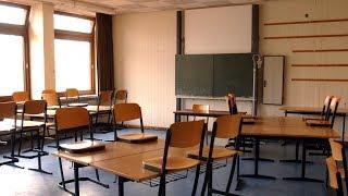 Lehrer verklagt - Schüler nässt sich ein weil er nicht auf die Toilette darf