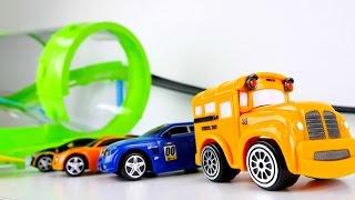 Kinderfilm - Tolle Spielzeugautos - Speedy und Bussy testen die neue Rennbahn