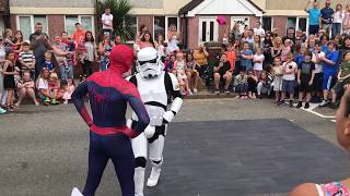 The Best Spiderman & StormTrooper dance off Ever (Boogie Storm)