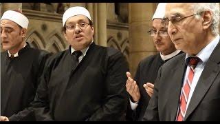 مفاجأة صادمة : مصطفى راشد وميزو يصليان الصلاة المسيحية داخل كنيسة