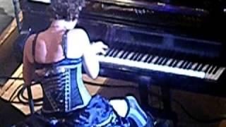 Amanda Palmer - cell phone interruption at Symphony Hall
