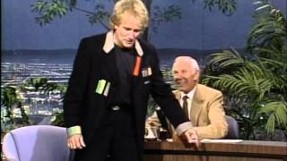 Robin Williams inteviewed by Johnny Carson (Carson