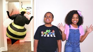 GIANT BEE and WASPS Get Shasha And Shiloh - Onyx Kids