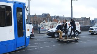Illegaal op de tramrails [SPECIAL]
