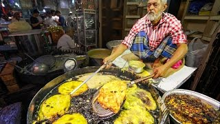 Indian Street Food Tour in Mumbai, India | Street Food in India BEST Curry