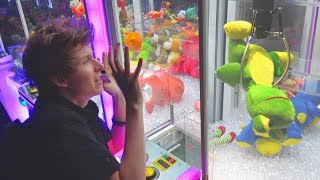 KID FREAKS OUT AT THE CLAW MACHINE!!