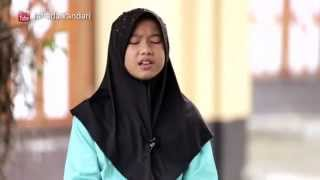 Wonderful little girl read the holy quran with very beautiful voice