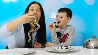 Gerçek yemek Jelibon yemeğe karşı YILAN SNAKE Gummy vs real food challenge Candy challenge
