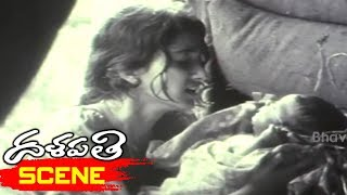 Kalyani Gives Birth to Baby and Abandons in Train - Dalapathi Movie Scenes