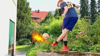 FUßBALL TRICKSHOT-CHALLENGE im Garten vs. Toni | ViscaBarca