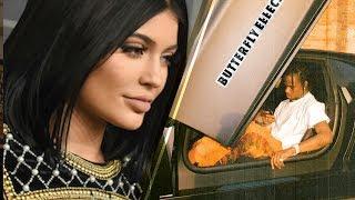 Kylie Jenner LEFT OUT of Boyfriend Travis Scott