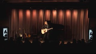 """Taylor performs """"Blank Space"""" at The GRAMMY Museum"""