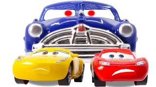Disney Cars3 Toys Movie Cruz Ramirez Doc Hudson Lightning McQueen on Fireball Beach for Kids