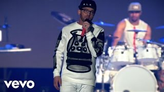 TobyMac - Funky Jesus Music (Live) ft. Hollyn