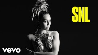 Miley Cyrus - Twinkle Song (Live from SNL)