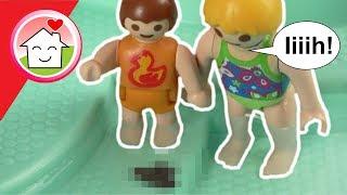 Playmobil Film deutsch - Was ist da im Pool ??? - Schwimmbad - Kinderfilm von Family Stories