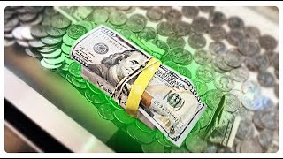 COIN PUSHER || $100 BILL + IPOD ON THE EDGE!!!