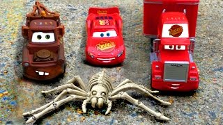Disney Pixar Cars Lightning McQueen & Mater