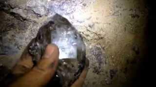 The beginning of a little Herkimer Diamond pocket.