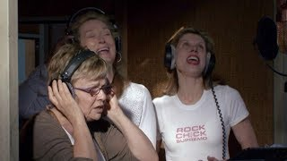 Becoming a Singer || Mamma Mia! Special Features