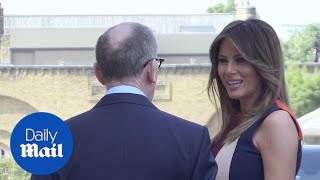 Melania Trump arrives in Victoria Beckham dress for Chelsea visit - Daily Mail